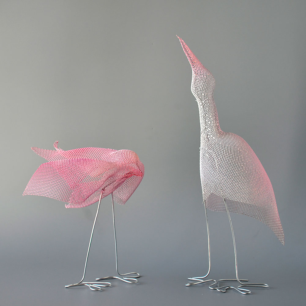 Animal sculptures nuntchi wire mesh sculptures for Modern decorative art