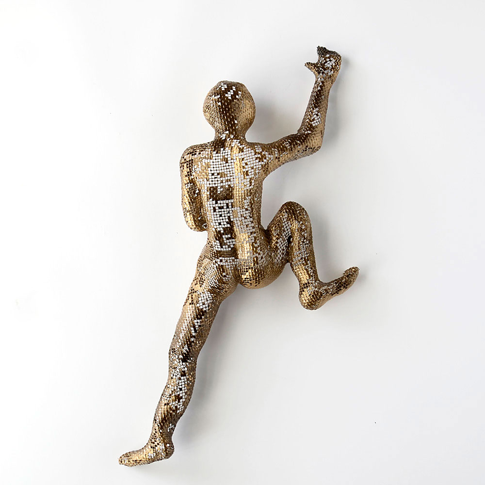 Climbing Man Figures - NUNTCHI | Wire Mesh Sculptures